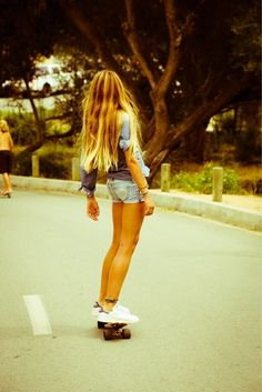 Today, skate clothing is therefore customary in favorite society, that'd it seem like uses for all to don. Girls Skate, Surf Girls, Thylane Blondeau, Poses, Surfergirl Style, Look Skater, Mode Rock, Tumbrl Girls, Skateboard Girl