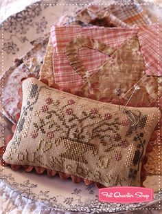 Sarah's House Projects Book Blackbird Designs, Barb Adams and Alma Allen - Fat Quarter Shop