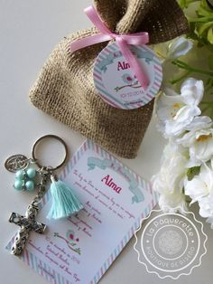 Baptism or First Communion favors: favor card with burlap sack & key-ring First Communion Favors, Baptism Favors, Blue Pearl, Pearl Color, Burlap Sacks, Holy Mary, Bride Gifts, Card Sizes, Bead Crafts