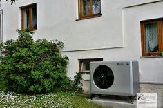 Reference - Rodinné domy - Bor u Karlových Varů. Tepelné čerpadlo EcoAir 410 pro vytápění rodinného domu a ohřev vody.  #regulus #ceskafirma #tepelnacerpadla #tepelnecerpadlo #heatpumps #bojler #czechrepublic #ceskarepublika
