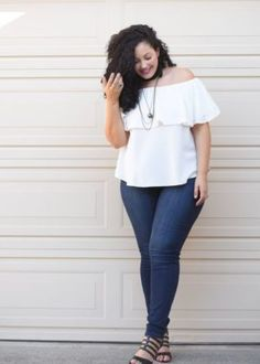 Off Shoulder Top, Jeans and layered Chocker Necklaces worn by Tanesha Awasthi, founder of Girl With Curves Curvy Outfits, Mode Outfits, Girl Outfits, Fashion Outfits, Fashion Tips, Casual Outfits, Fashion Ideas, Fashion Trends, Curvy Girl Fashion