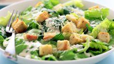 Rezept: Römersalat mit Croutons und Parmesan (Cesar Salat)