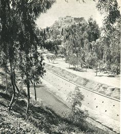 1940 ~ Ilissos river and Acropolis on top, Athens Greece Pictures, Old Pictures, Old Photos, Vintage Photos, Athens Acropolis, Athens Greece, Old Greek, Greece Photography, Mycenae