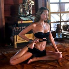 Yoga Poses for Beginners and more. Classes, Benefits of yoga. Yoga Inspiration, Fitness Inspiration, Sexy Yoga Poses, Namaste, Fitness Del Yoga, Morning Yoga, Yoga Sequences, Yoga Meditation, Asana