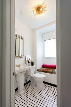 Leopard bathroom on pinterest leopard print bathroom for Cheetah print bathroom ideas