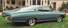 This is a LHD twin to my old 1967 Impala SS .Mine had ,&still has, white trim.