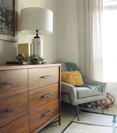 Find out how @westelmsandiego transformed a tiny apartment with small space solutions and Mid-Century style—link in profile! #mywestelm #sandiego