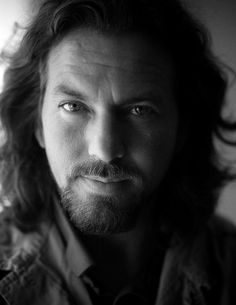 Eddie Vedder- I have a serious CRUSH on him right now!