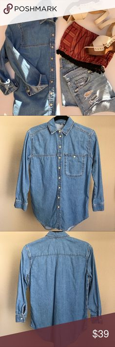 """Topshop MOTO Denim Button Up Shirt 100% Cotton Denim Button up shirt in chambray wash. One front button pocket. Petite length sleeves - 21"""", extra long length at 29"""" long. In like new condition. 😊 Topshop PETITE Tops Button Down Shirts"""