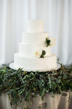 Photography : Justin DeMutiis Photography | Cake : Publix Greenwise