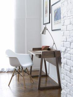 Scuola Desk::All Desks::Desks/Storage::Office::Products::David Phillips