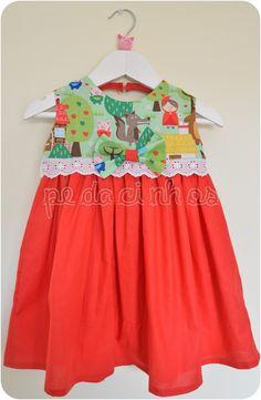 Pedacinhos de Arco Íris: Vestido Capuchinho Vermelho
