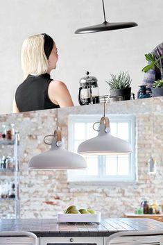 Lekre nyheter og populære modeller - Få litt inspirasjon om lamper som passer til kjøkkenet på Lunelamper.no Blogg  #blogg #lamper #kjøkken #tips #Inspirasjon #pendellamper Ceiling Lights, Lighting, Home Decor, Decoration Home, Light Fixtures, Room Decor, Ceiling Lamp, Lights, Lightning