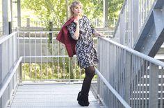 Lookbook automne/hiver 2015 - Zonedachat  Robe seventies noir - Perfecto simili cuir bordeaux - Bottines à franges noir