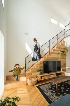 階段の手すり案(子供が小さいときはネットを付けるとい...