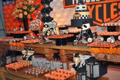 La Belle Vie Eventos: Harley Davidson - 3 anos do Miguel Diy 60th Birthday, Baby First Birthday, 1st Birthday Parties, Biker Party, Motorcycle Party, Harley Davidson Cake, Harley Davidson Birthday, Motorcycle Birthday Cakes, Baby Shower