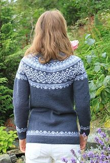 Ravelry: Damsgaard jacket, Damsgård kofta pattern by Aud Bergo Baby Hat Knitting Pattern, Fair Isle Knitting Patterns, Norwegian Knitting, Icelandic Sweaters, Crochet Geek, How To Purl Knit, Clothing Patterns, Bunt, Cardigans