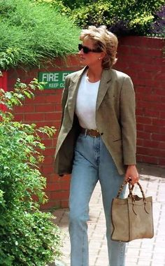 July 1 1996 Diana works out at the Chelsea Harbour Club Princesa Diana, 90s Fashion, Fashion Outfits, Princess Diana Fashion, Lady Diana Spencer, Mode Outfits, Street Style, Stylish, How To Wear
