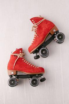 Retro Roller Skates, Roller Skate Shoes, Quad Roller Skates, Roller Derby, Roller Skating, Outdoor Roller Skates, Rollers, E Skate, Freestyle