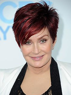Sharon Osbourne Hair Color To Mom Hairstyles, Hairstyles For Round Faces, Pixie Cut Kurz, Pixie Cuts, Short Pixie, Short Hair Cuts, Short Hair Styles, Cabello Zayn Malik, Haircut For Older Women