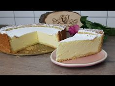 These cakes are simple - you can make the cake from scratch or use a cake mix from a box. The icing Easy Cake Recipes, Dessert Recipes, Cake Factory, American Cheese, New Cake, Food Cakes, Cheese Recipes, Cheesecakes, Queso