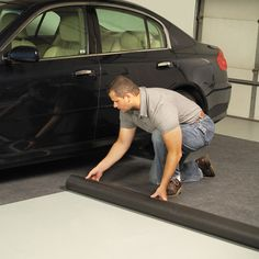 Garage rubber flooring has the strength, easy installation process and comfort. If you are looking for multi-purpose protection for garage floor, the rubber is awesome and modern Vinyl Garage Flooring, Garage Flooring Options, Rubber Flooring, Flooring Ideas, This Old House, Garage Floor Mats, Garage Floor Epoxy, Concrete Patios, Garage Gym