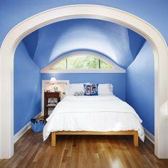 Coole Kleine Innen Schlafzimmer Deko-Ideen: Weißen Und Blauen Farb Ruhigen Schlafzimmer Deko Ideen Mit Modernen Tischlampen ~  Schlafzimmer Inspiration