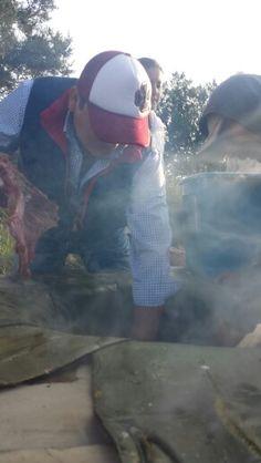 metiendo la carne al horno