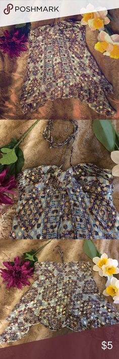 Cute Halter Summer Top! 🌺🌺🌺 This top is perfect for a hot summer day! This top is too small for me now, but is very comfortable and a great addition to any closet! Make me an offer 🌻🌻🌻 Alice & Trixie Tops