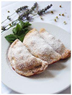Shortcrust pastry & red currant pockets http://sweetheartsweets.blogspot.com/2014/08/prhki-jastucici-s-ribizlom-shortcrust.html