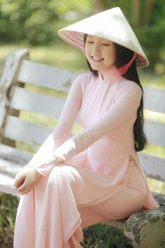 Looking for a vietnamese women? Check our best vietnamese dating sites to  find your vietnamese match online now!