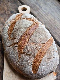 """Когда я открыл крышку казана, в котором сидел хлеб, я закричал: """"А-а-а-а-а!!!!! Таня беги скорей сюда, ты только посмотри на это!!!"""" Сумасшедший хлеб. Душистый, в меру…"""