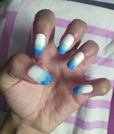 Blue ombre nail art