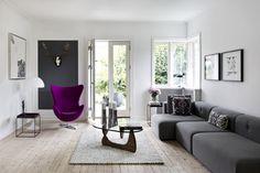 Calm interiors with a splash of colour. Living Room Designs, Living Room Decor, Rabe, Blog Deco, Scandinavian Design, Floor Chair, Color Splash, Gallery Wall, Interior Design