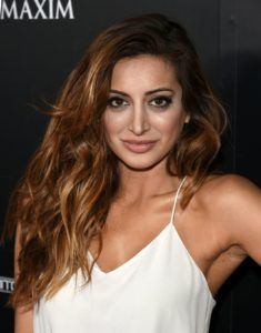 Noureen DeWulf Net Worth, Annual Income, Monthly Income, Weekly Income, and Daily Income - http://www.celebfinancialwealth.com/noureen-dewulf-net-worth-annual-income-monthly-income-weekly-income-and-daily-income/