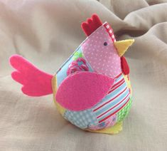 1 million+ Stunning Free Images to Use Anywhere Diy Crafts For Gifts, Creative Crafts, Arts And Crafts, Chicken Bird, Chicken Crafts, Sewing Projects, Craft Projects, Free To Use Images, Backyard For Kids