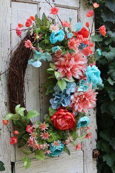 Summer wreath for Front door, Beach wreath, Tropical Sunset Door Decor, Teal & Coral Wreath for fron Double Door Wreaths, Summer Door Wreaths, Holiday Wreaths, Spring Wreaths, Mesh Wreaths, Teal Coral, Diy Wreath, Wreath Ideas, Grapevine Wreath
