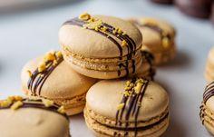 Crunchie macarons