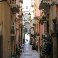 Photo Tour of Gaeta, Italy: Gaeta Alley