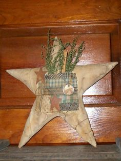 Primitive Star Pocket with Sweet Annie Soft Sculpture