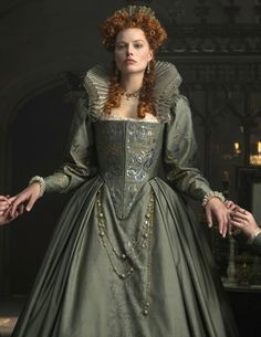 Mary Queen of Scots - Official Trailer, Mary Stuart (Saoirse Ronan) plots to overthrow her cousin Queen Elizabeth I (Margot Robbie), only to find herself sentenced to 19 years of imprisonment before facing her executioner. Tudor Costumes, Period Costumes, Movie Costumes, Elizabeth I, Elizabethan Fashion, Tudor Fashion, Elizabethan Dress, Queen Fashion, Mary Queen Of Scots