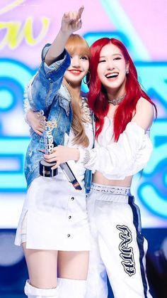 Black Pink Rose and Lisa - blackpink Kim Jennie, Kpop Girl Groups, Korean Girl Groups, Kpop Girls, Blackpink Lisa, Blackpink Fashion, Korean Fashion, K Pop, Kim Jisoo