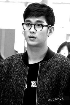 nice [Fan Photos] Actor Kim Soo Hyun at Incheon Airport going to Macau Hyun Kim, My Love From Another Star, Kpop Guys, Asian Hotties, Incheon, Love Affair, Perfect Man, Korean Actors, Gorgeous Men