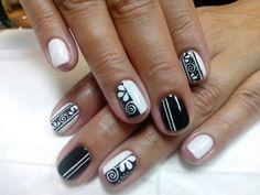 Black&Whit nails