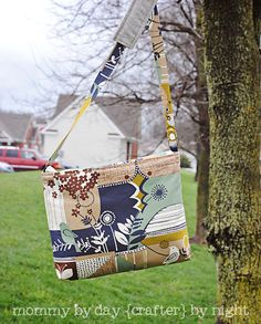 Mommy by day Crafter by night: {a little birdie told me} Messenger Bag + Tutorial