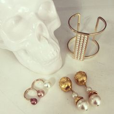 Skulls & Pearls Shop Online ➡️ www.pinkrevolver.com.mx #PinkRevolver #ShopOnline