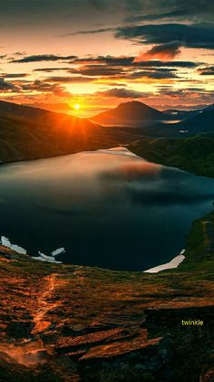Not only is this photo a panoramic photo but it's also a beautiful photograph of nature. These types of photos almost make me feel like I'm actually there. Beautiful World, Beautiful Places, Beautiful Pictures, Amazing Sunsets, Amazing Nature, Landscape Photography, Nature Photography, Pinterest Photography, Photography Composition
