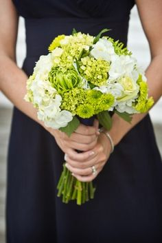 navy green baltimore preppy wedding6 275x412 Lauren + Ryans Preppy Baltimore Wedding (Part 1)