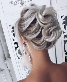 (shiyan_marina) on Somegram Posts Videos & Stories ? Best Wedding Hairstyles, Weave Hairstyles, Cool Hairstyles, Hairstyle Wedding, Bridal Hairstyles, Medium Hair Styles, Natural Hair Styles, Short Hair Styles, Peinado Updo