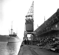 """Julebåten """"Stavangerfjord"""" fra USA ankommer Oslo havn i desember 1948. NTB"""